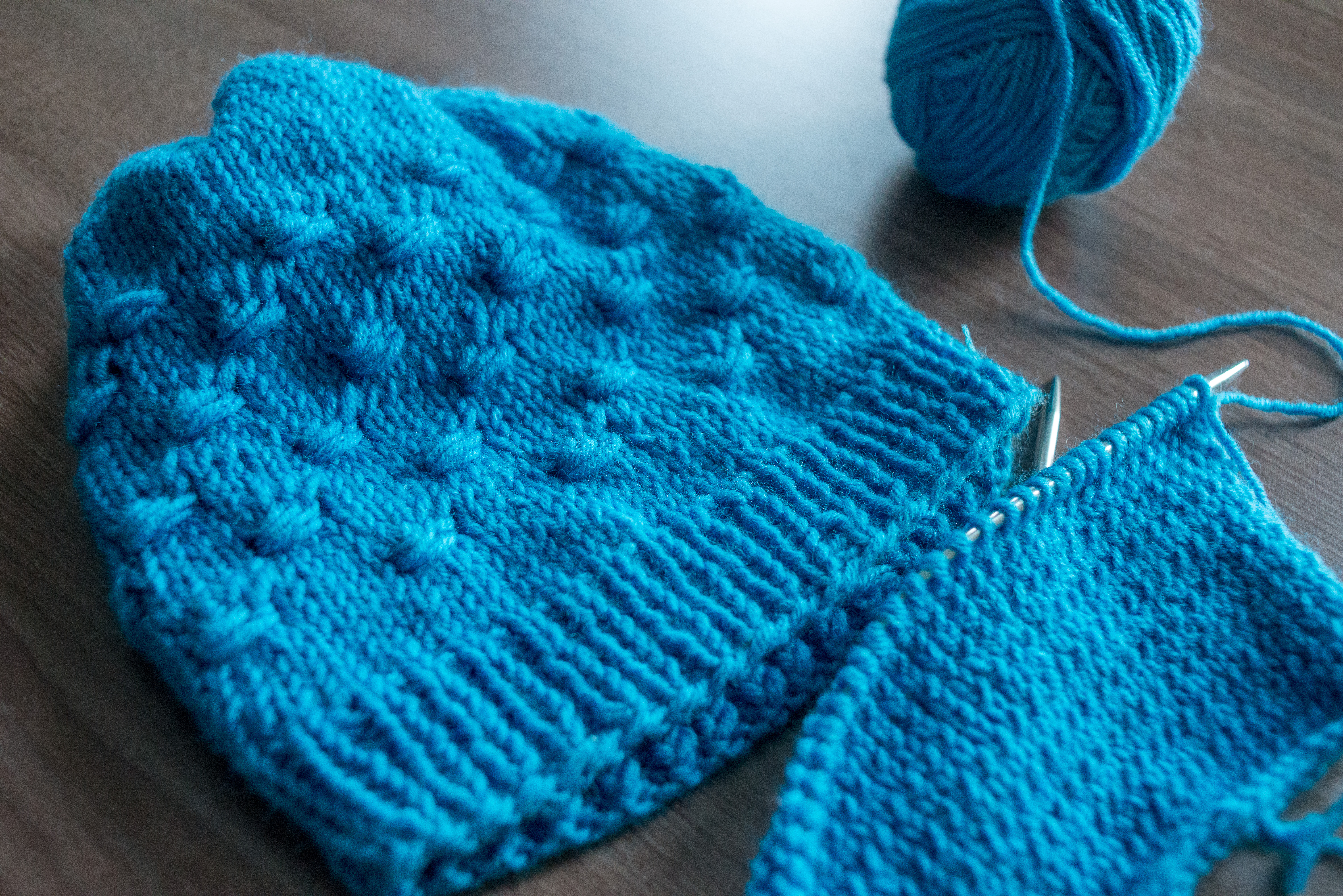 The Paw hat – a free knitting pattern
