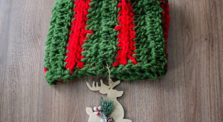 Christmas wreath cowl